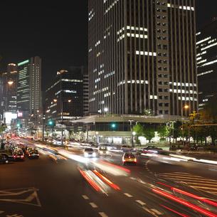 梅田新道交差点夜景の写真素材 [FYI00107842]