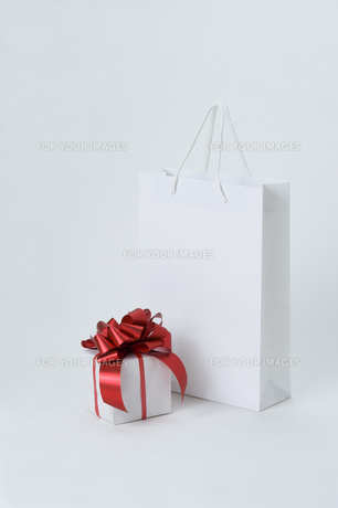 present and bagの写真素材 [FYI00108787]