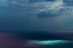 七色に輝く江ノ島の海の素材 [FYI00108883]