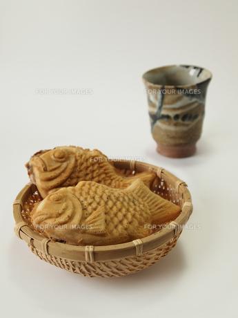 たいやきとお茶の写真素材 [FYI00108913]