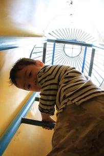 はしご登れるよの写真素材 [FYI00109537]