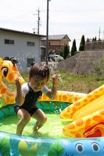 水遊びの写真素材 [FYI00109552]