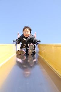 滑るぞ〜の写真素材 [FYI00109674]