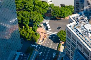 新宿の交差点を俯瞰撮影の写真素材 [FYI00110024]