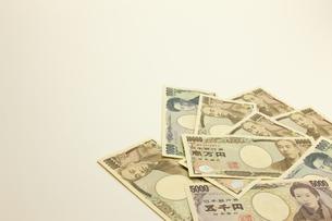 日本円のお札の写真素材 [FYI00110161]