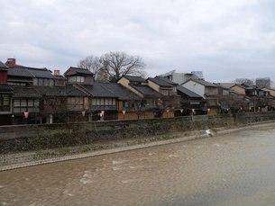 金沢の町並みその4 川岸からのひがし茶屋街の写真素材 [FYI00110330]