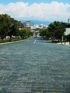 北海道函館の町並みその1 基坂から見た風景の写真素材 [FYI00110340]