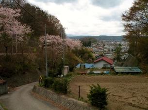 旧中山道 瓜生坂から見た望月宿の写真素材 [FYI00110414]