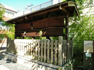 東海道神奈川宿の町並みその1  高札場跡の写真素材 [FYI00110446]