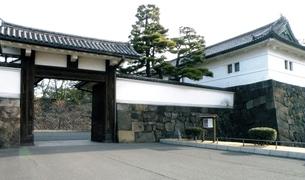 甲州街道の風景 旧江戸城桜田門跡の写真素材 [FYI00110484]