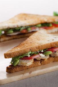 サンドイッチイメージの写真素材 [FYI00110996]