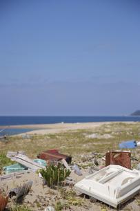浜辺のゴミの写真素材 [FYI00111012]