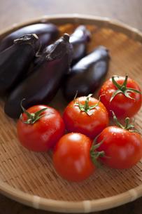 トマトと茄子の写真素材 [FYI00111641]