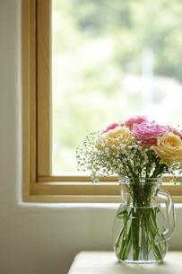 窓辺のお花の素材 [FYI00111668]