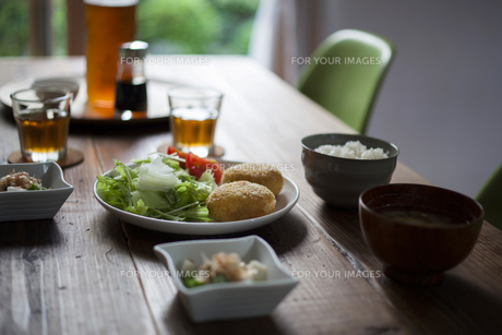 食卓の素材 [FYI00111702]