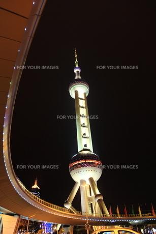 東方明朱広播電視塔の写真素材 [FYI00112151]