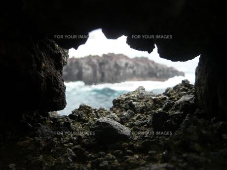 ちいさなトンネルの写真素材 [FYI00112451]