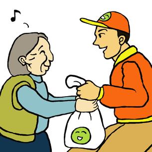 挨拶しながら配達する業者と自宅で商品を受取る高齢女性の写真素材 [FYI00112849]