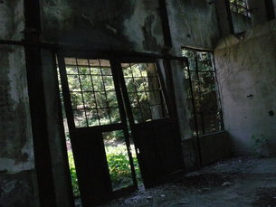 大久野島の廃墟の写真素材 [FYI00112993]