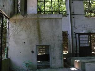 大久野島の廃墟の写真素材 [FYI00112998]