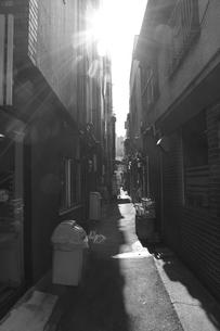 路地の写真素材 [FYI00113901]