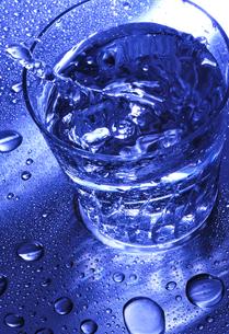 グラスと水滴の写真素材 [FYI00114361]