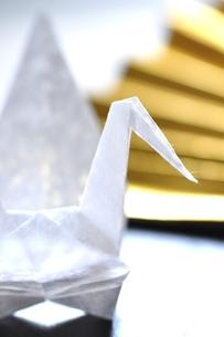 折り鶴の写真素材 [FYI00114698]