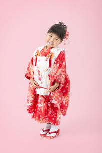 着物姿の女の子の写真素材 [FYI00115278]
