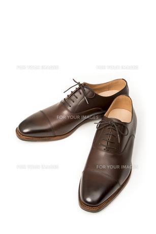 男性用の茶色い革靴の写真素材 [FYI00115282]