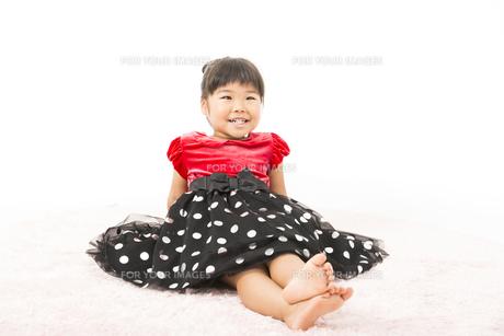 ドレス姿の女の子の写真素材 [FYI00115369]