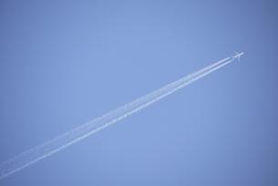 飛行機雲の写真素材 [FYI00115510]
