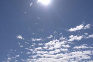青空と太陽の写真素材 [FYI00115761]