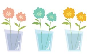 グラスに挿した花3色セットの写真素材 [FYI00116884]