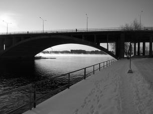 朝の橋の写真素材 [FYI00116953]