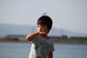 キッズ 子供 男の子の写真素材 [FYI00117120]
