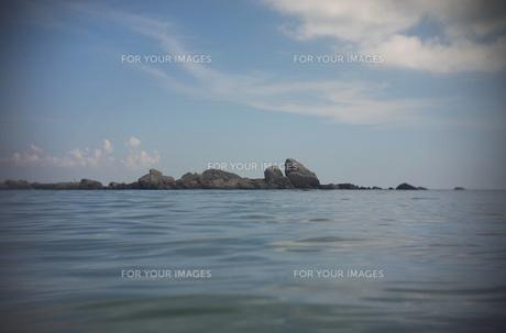 海と岩の素材 [FYI00117990]