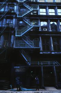 ビル-外階段の素材 [FYI00118061]