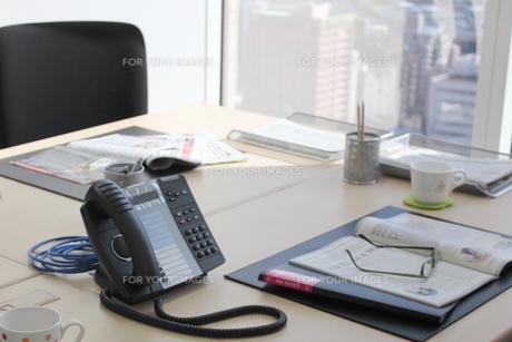 ビジネス デスク周りの風景の写真素材 [FYI00118235]