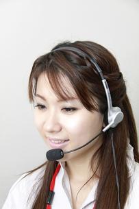 オフィス オペレーターの女性の素材 [FYI00118423]