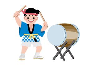 太鼓を叩く男の子の写真素材 [FYI00118785]