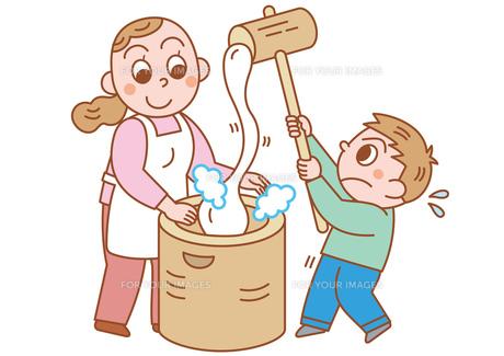 親子で餅つきの写真素材 [FYI00118992]