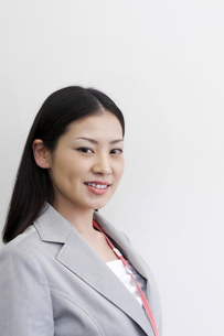 笑顔のビジネスウーマン アップの写真素材 [FYI00119674]