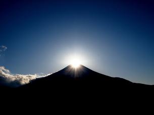 ダイヤモンド富士の写真素材 [FYI00119858]