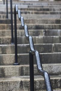 手すりと階段の写真素材 [FYI00119923]