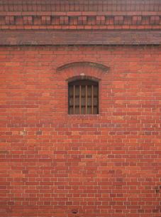 窓のある煉瓦壁の写真素材 [FYI00119926]