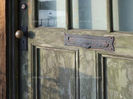 古いドアの写真素材 [FYI00119952]