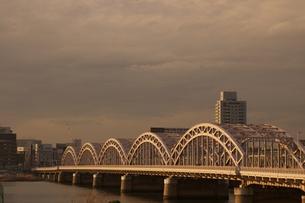 鉄橋の写真素材 [FYI00120090]