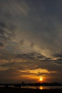 夕陽の写真素材 [FYI00120105]