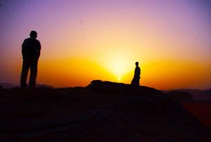 ワディラム砂漠の日の出の写真素材 [FYI00121142]