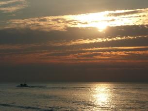 朝の海の写真素材 [FYI00121238]